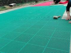 悬浮式拼装地板施工